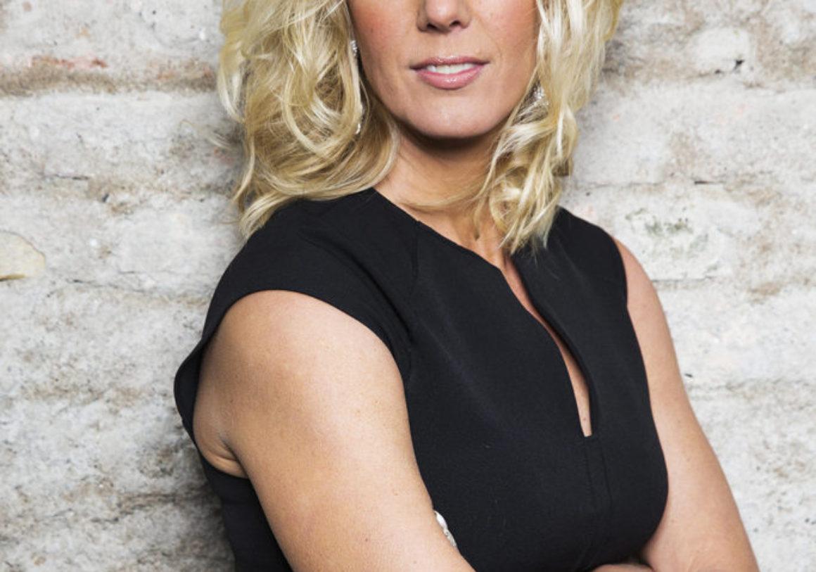 Anna Karolinas debutroman Stöld av babian i tyskt pilotprojekt