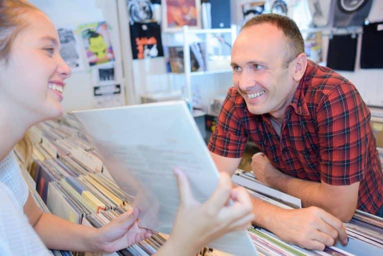 Vad betyder ökad försäljning av vinylskivor för bokbranschen?