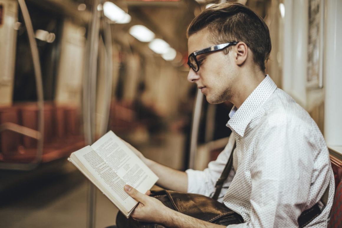 Färre vuxna läser skönlitteratur i USA