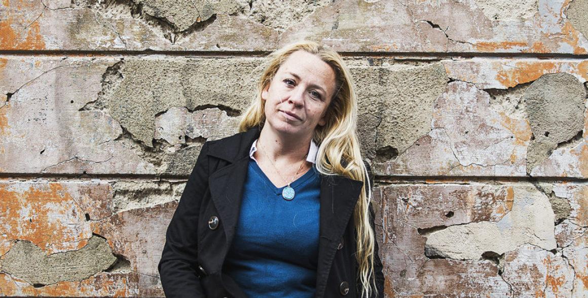 Erika Oldberg skrev en journalistisk roman om att tvingas till tiggeri i ett främmande land