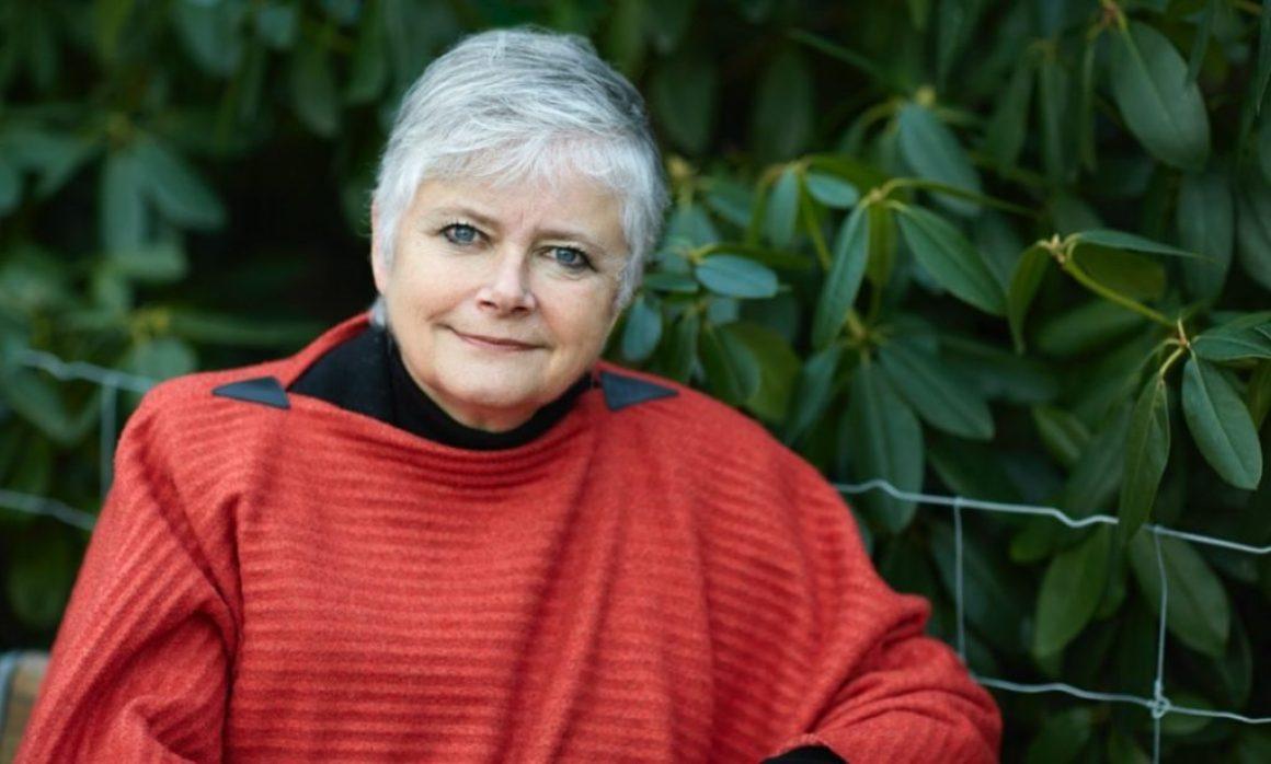 Karin Alfredsson gör comeback med ny roman – väljer Bokfabriken som förlag