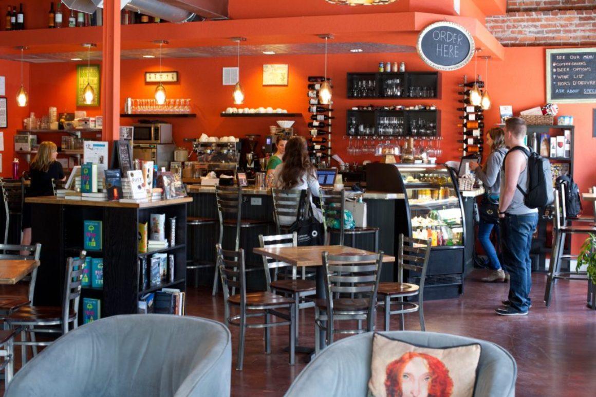 BookBar i Denver säljer både böcker och vin