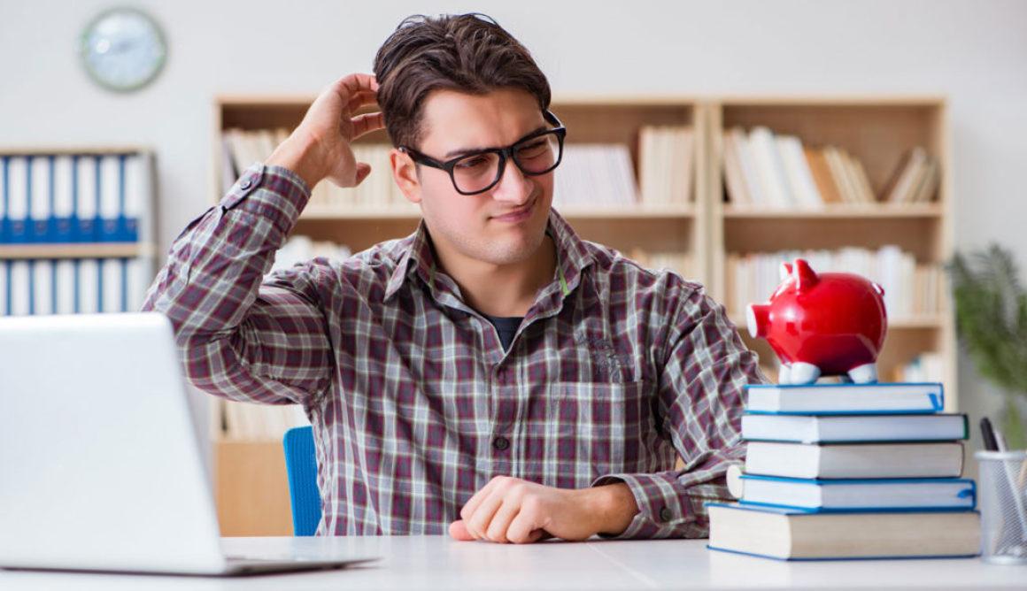 Läsarna vill ha billigare böcker – branschen vill ha bättre betalt