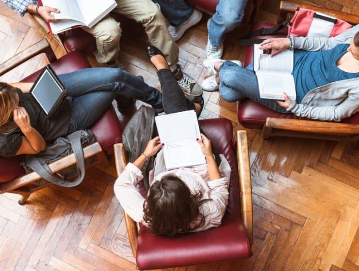 Tre av tio sålda böcker i Sverige var digitala. Foto: iStock