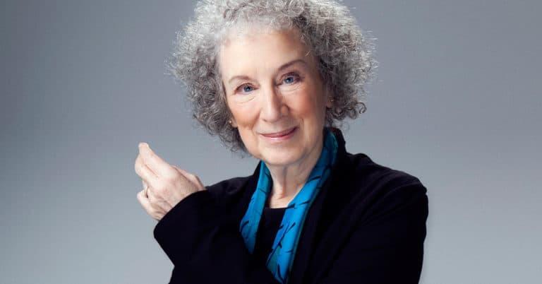 Margaret Atwood laddar för turné med 500 000 ex – redan fullt hus på flera håll