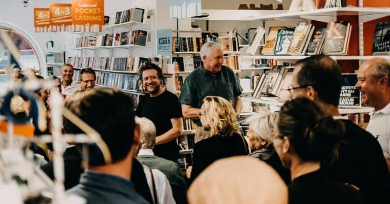 Fullsatt release för lokal författare utgiven av Höganäs bokhandel