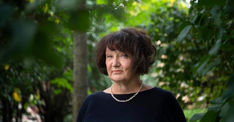 """Monika Fagerholm skriver i sin nya bok """"Vem dödade bambi"""" om tystnaden efter en gruppvåldtäkt"""