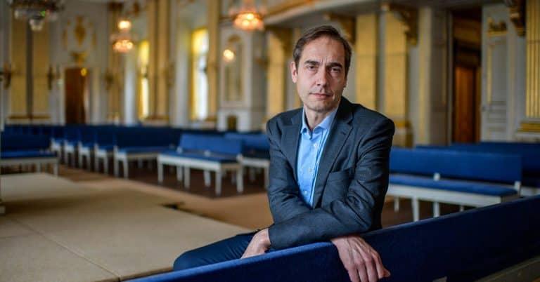 Svenska Akademien får två förslag till årets Nobelpris(er) i litteratur på torsdag