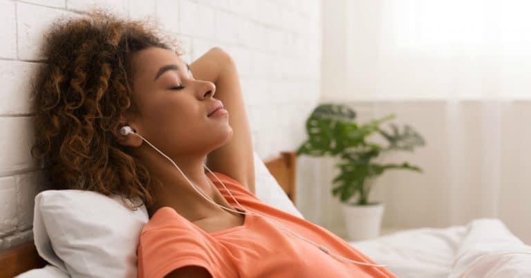 Ny rapport: Många lyssnar på ljudböcker för att få en känsla av sällskap