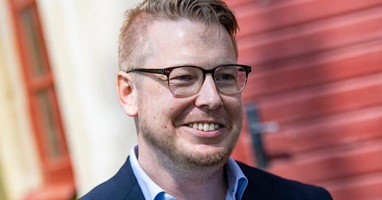 """""""Folk med ångest"""" av Fredrik Backman blir Netflixserie av Felix Herngren"""