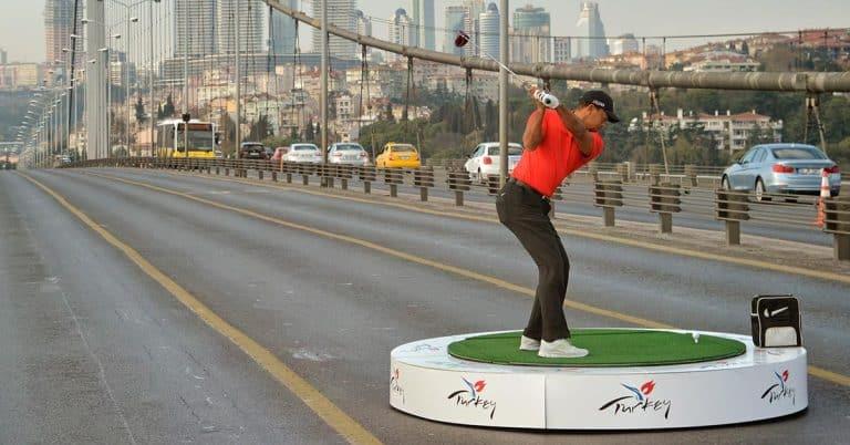 HarperCollins köper världsrättigheter till Tiger Woods självbiografi Back
