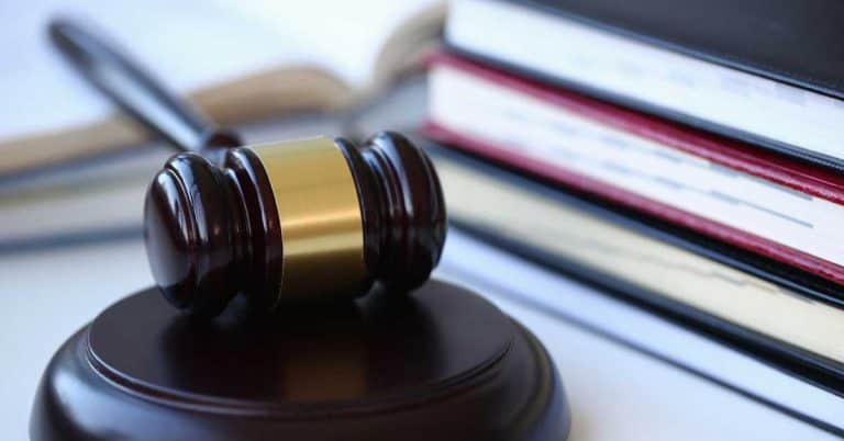 Kvinna slapp fängelse för sina försenade biblioteksböcker