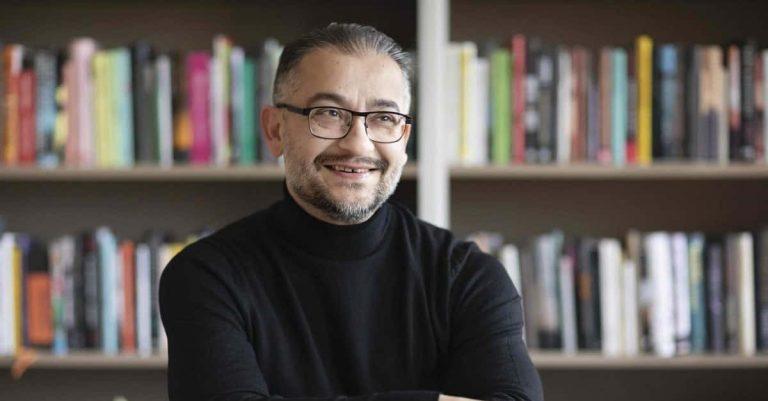 Bagir Kwiek tar över rollen som läsambassadör