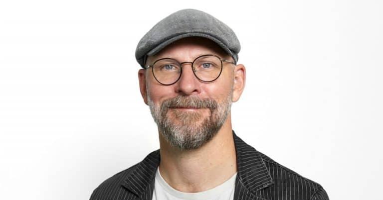 Kalle Lind: Humor är en smula eftersatt i litteraturen