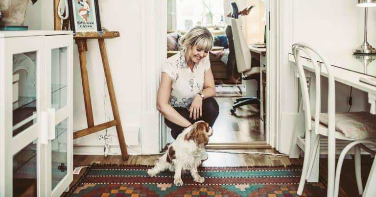 Bokproffsen med Sanna Sporrong: Formgivaren bidrar till bokens identitet