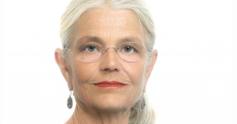 Anette Kihlén-Antonsen debuterar med sf-roman om maktmissbruk