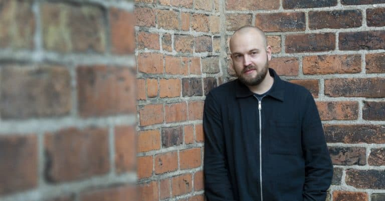 Jens Lönnaeus om berättelser, identitet och skönlitteratur i skolan