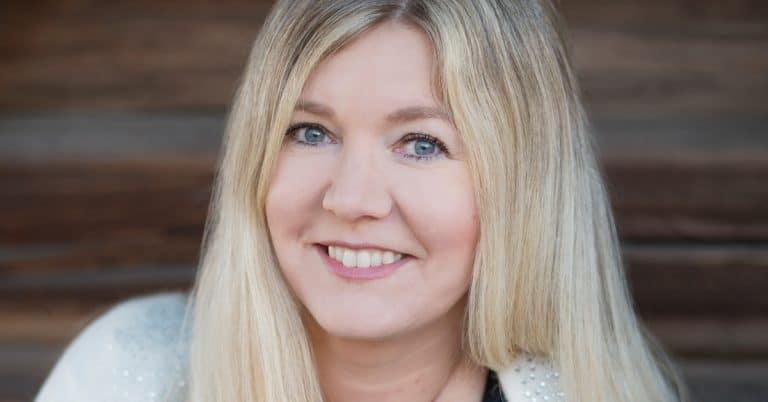 Hanna Blixt går från barnböcker till feelgood och byter eget förlag mot Historiska Media