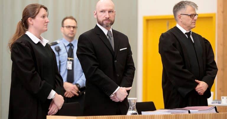 Terroristen Breiviks manifest såldes på svenska nätbokhandlar