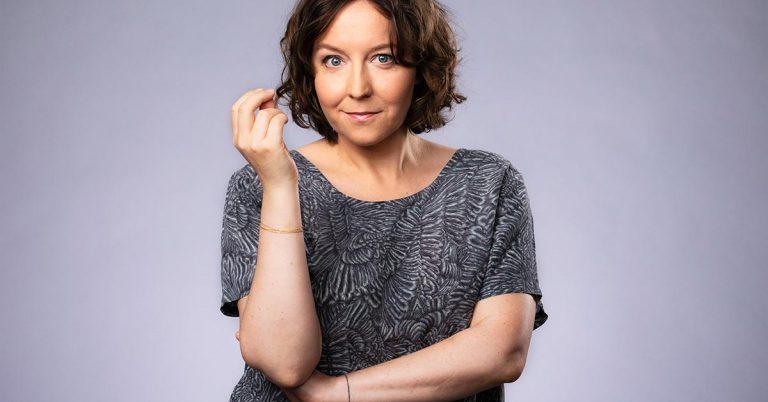 Programledaren Emmy Rasper om dialektord hon inte kan vara utan: knô