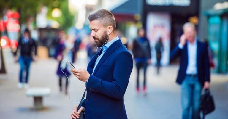 Förlagspodden: Rykte om samgående mellan två svenska ljudbokstjänster