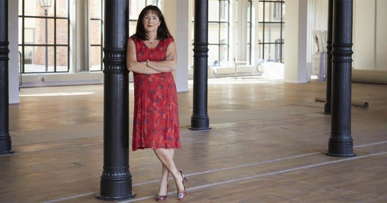 Bookbeat skriver stort avtal på 50 böcker med Anna Jansson