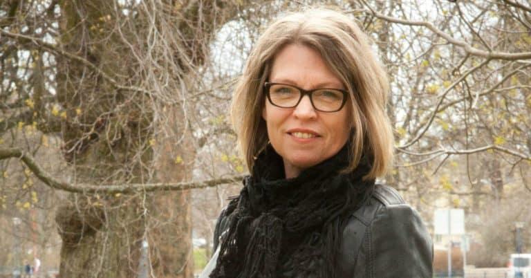 Anna Widerberg debuterar med en berättelse om att överleva