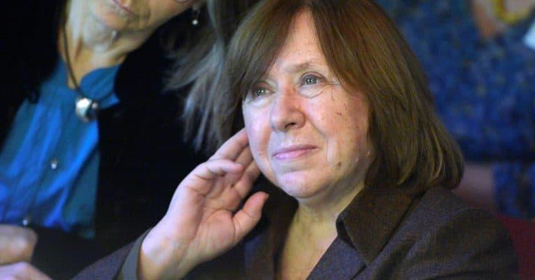 """Författaren Svetlana Aleksijevitj stannar i Berlin """"tills Lukasjenko är borta"""""""