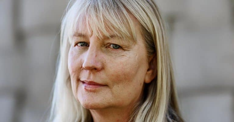 Karin Smirnoffs romantrilogi blir tv-serie