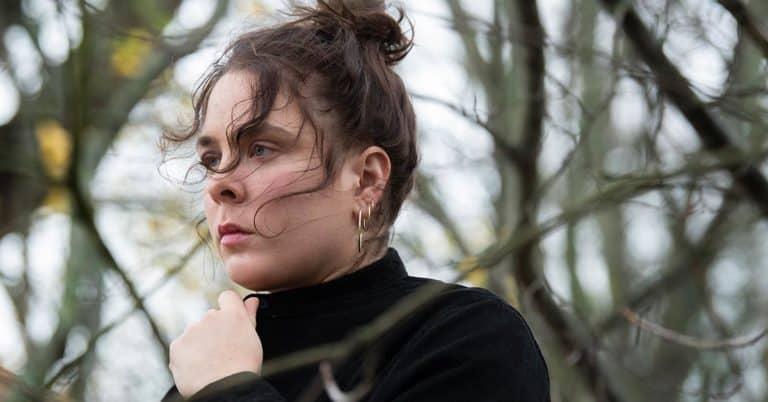 Poeten Hanna Rajs Lara rimmar om kärlek och antisemitism