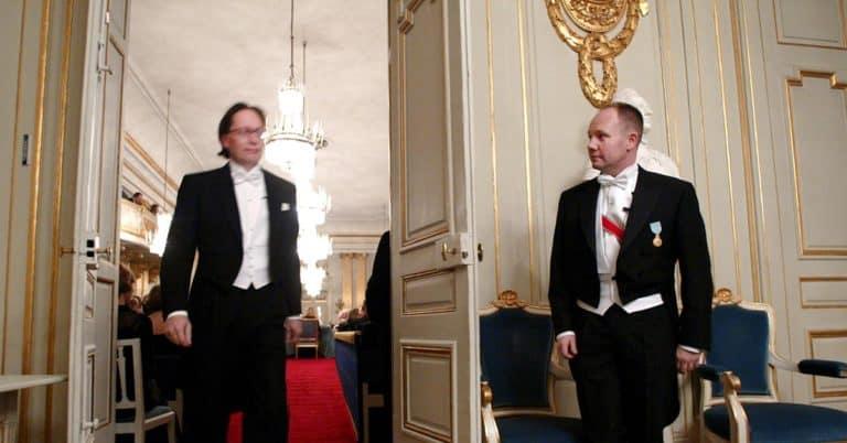 Englund ångrar krav på Engdahls avgång