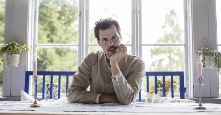 Lars Landgrens debutroman utspelar sig längs med älven Ljusnan
