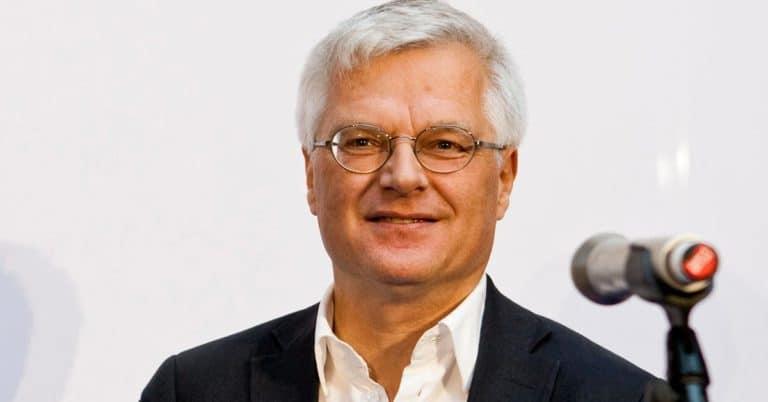 Johan Svedjedal prisas för sin forskning om bokmarknaden