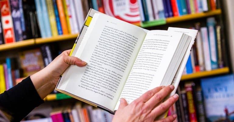 Bokläsande: Var fjärde svensk läser mer under pandemin