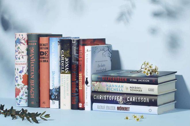 De 12 nominerade böckerna.