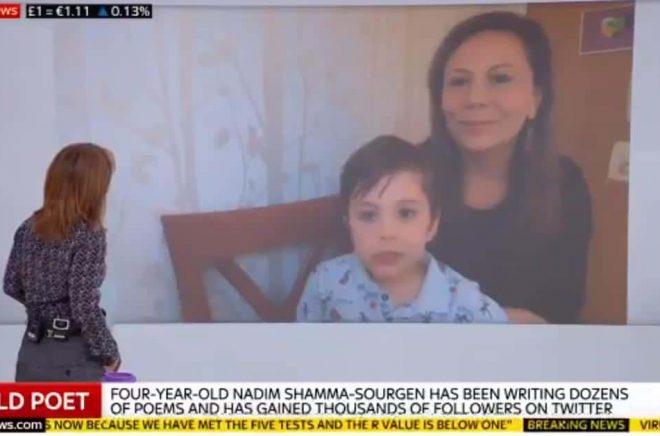 Nadim Shamma-Sourgen och hans mamma Yasmine Shamma intervjuas på Sky News. Den 4-årige poeten har nu fått ett bokkontrakt. Foto: Sky News.