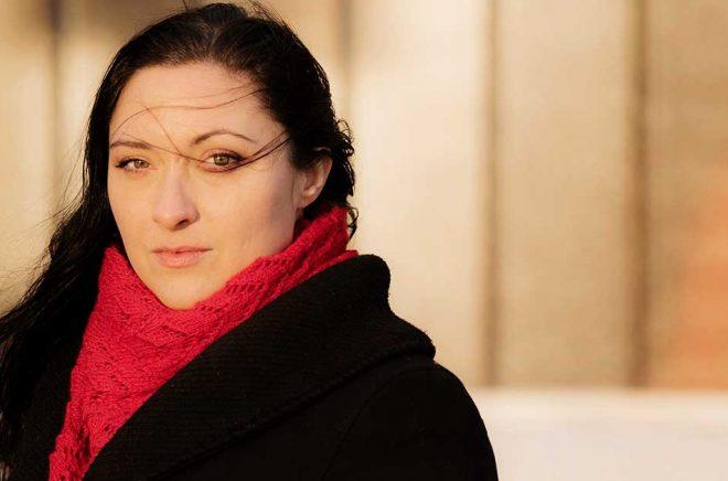 Författaren Anna Fock. Anna Fock har skrivit boken Väderfenomen. Foto: Ola Kjelbye.