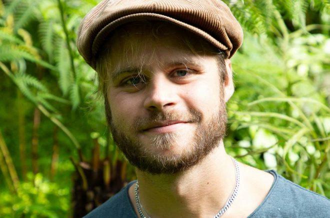Anton Sundin, författare och trädgårdsmästare. Foto: Pressbild