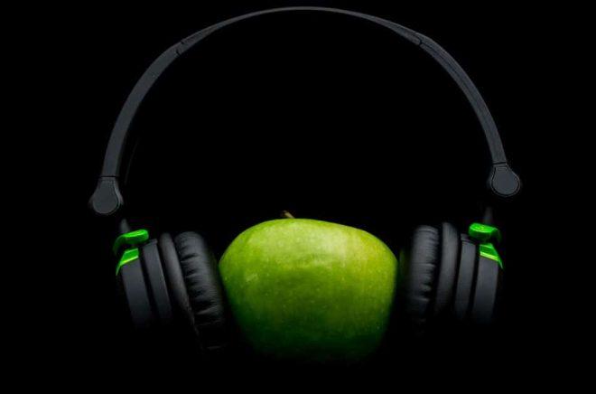 Apple-headphones-horlurar-iStock-476465227