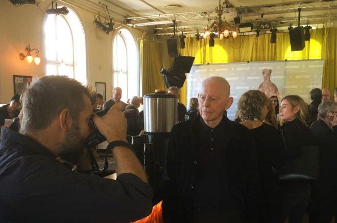 Björn Runeborg fotograferades flitigt hela dagen inför offentliggörandet av de nominerade till Augustpriset 2018. Foto: Johannes Pinter.