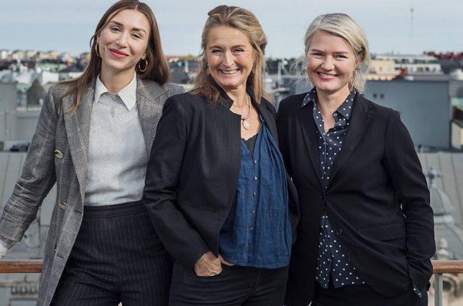 Bokförlaget Stolpe växer med två nyrekryteringar. Jennifer Paterson, Marika Stolpe och Jeanna Eklund. Foto: Stina Stjernkvist
