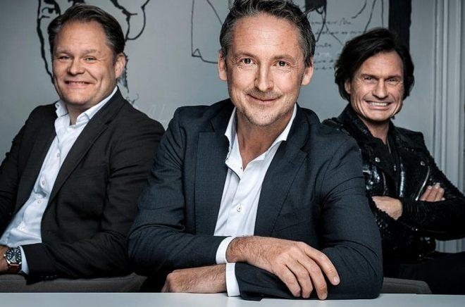 Håkan Rudels (Bonnier Books), Alexander Henriksen (VD Strawberry Publishing) och Petter Stordalen. Foto: Pressbild.