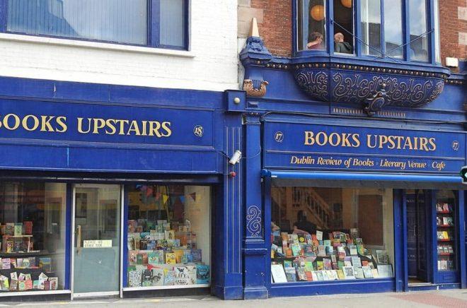 Book Upstairs är den äldsta indiebokhandeln i Dublin och en av många som gläds åt irländska Postverkets erbjudande om att skicka paket med böcker för endast 2,95 euro (upp till 10 kg) då själva bokhandeln tvingas hålla dörrarna stängda under coronakrisen. Foto: Derick Hudson/iStock.