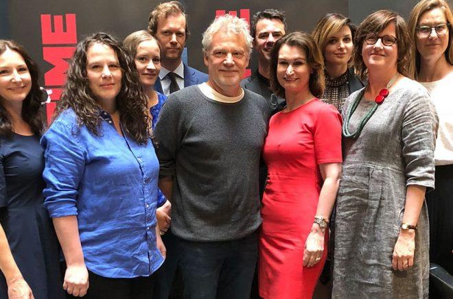 Gruppbild på nominerade författare till Crimetime Specsavers Award 2018. Vem som vinner får vi veta under Bokmässan i Göteborg.