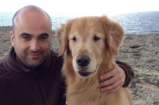 Emilio Ortiz med sin egen ledarhund.