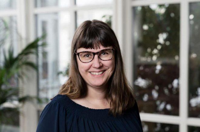 SF- och fantasyförfattaren Eva Holmquist. Foto: Cecilia Möller