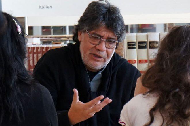 Den chilenske författaren Luis Sepúlveda, på Université Toulouse Le Mirail 2013. Foto: Joson/Wikimedia (CC BY-SA 3.0)