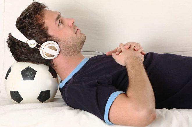Italienska fotbollsfans kan nu lyssna till ljudböcker via Storytel. Foto: Fotolia