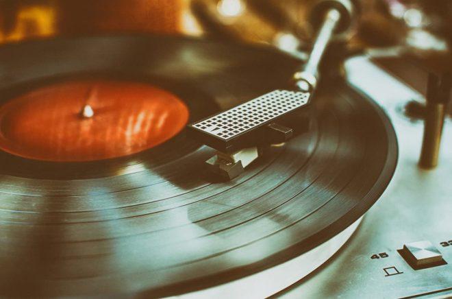 Böcker på vinyl är den nya grejen, och den spås bli hur stor som helst. Bild: Fotolia