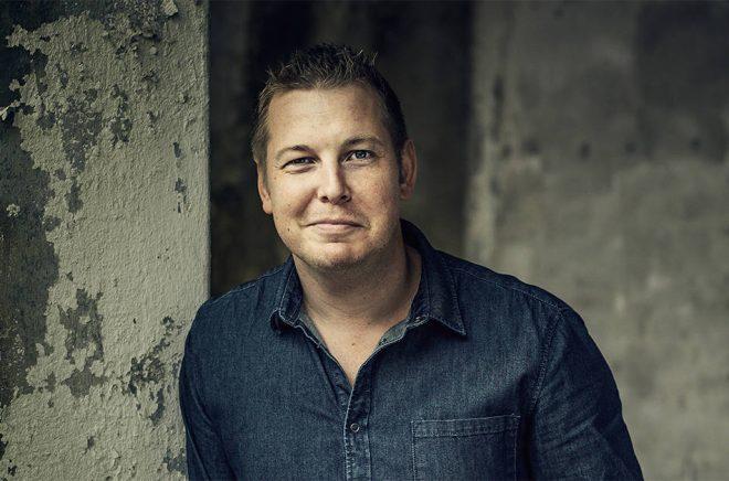 Författaren Fredrik-Backmans böcker är sålda över hela världen. Foto: Henric Lindsten